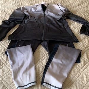 New sport set , size M , top and bottom, very soft